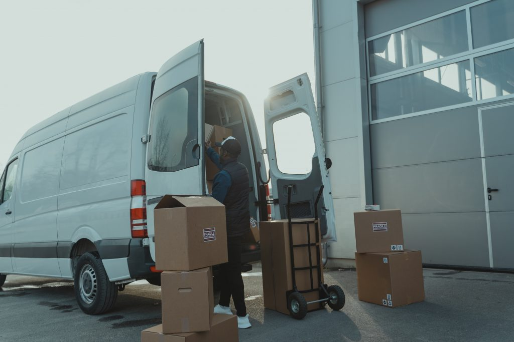 Manage deliveries across your fleet with EasyRoutes Growth